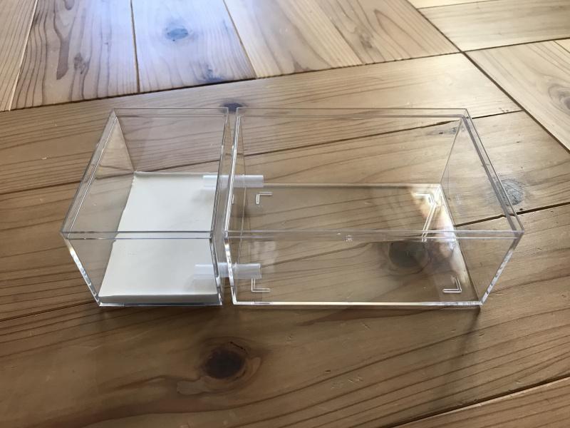 蓋をとった蟻飼育ケース
