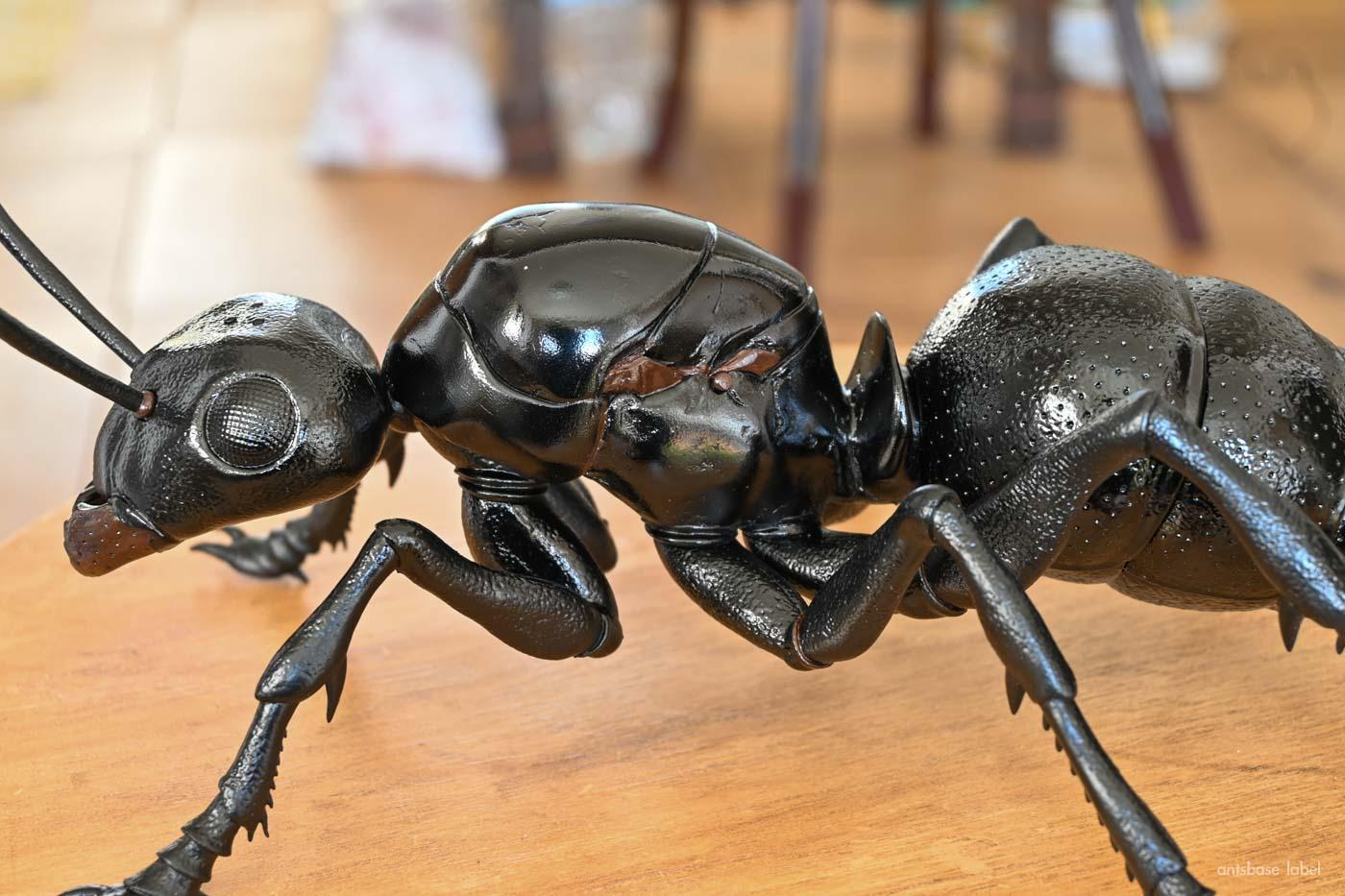 アントマンの蟻フィギュアを改造!リアルな女王アリの模型にしてみた